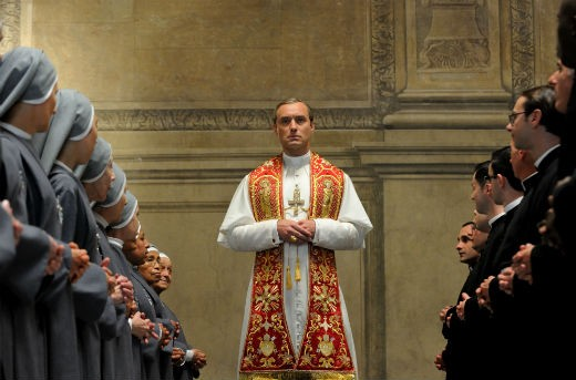 """Jude Law spelar huvudrollen i """"The Young Pope"""". Foto: C More"""